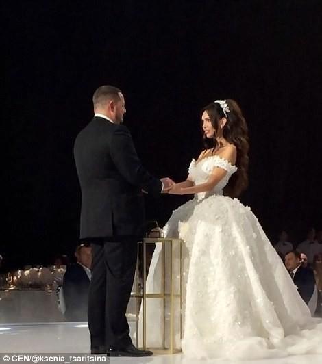 Российский олигарх потратил миллионы на пышную свадьбу с моделью
