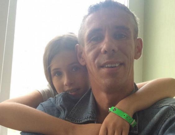 Дочь Алексея Панина впервые после долгой разлуки встретилась со своей матерью