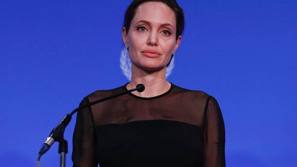 Вышел тизер нового фильма Анджелины Джоли о жутких убийствах в Камбодже