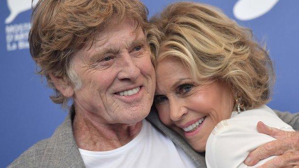 79-летняя Джейн Фонда в комбинезоне за две тысячи долларов восхитила неувядающей красотой