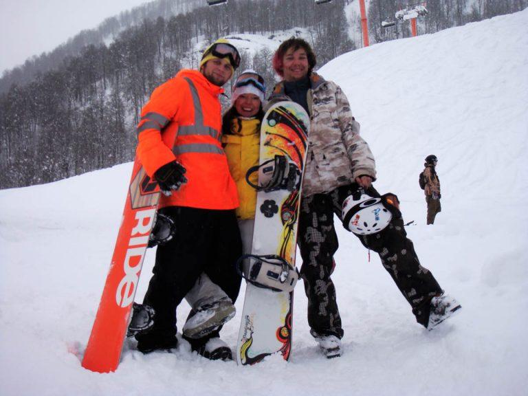 Аренда лыж и сноубордов в Красной Поляне: преимущества и особенности актуальной услуги
