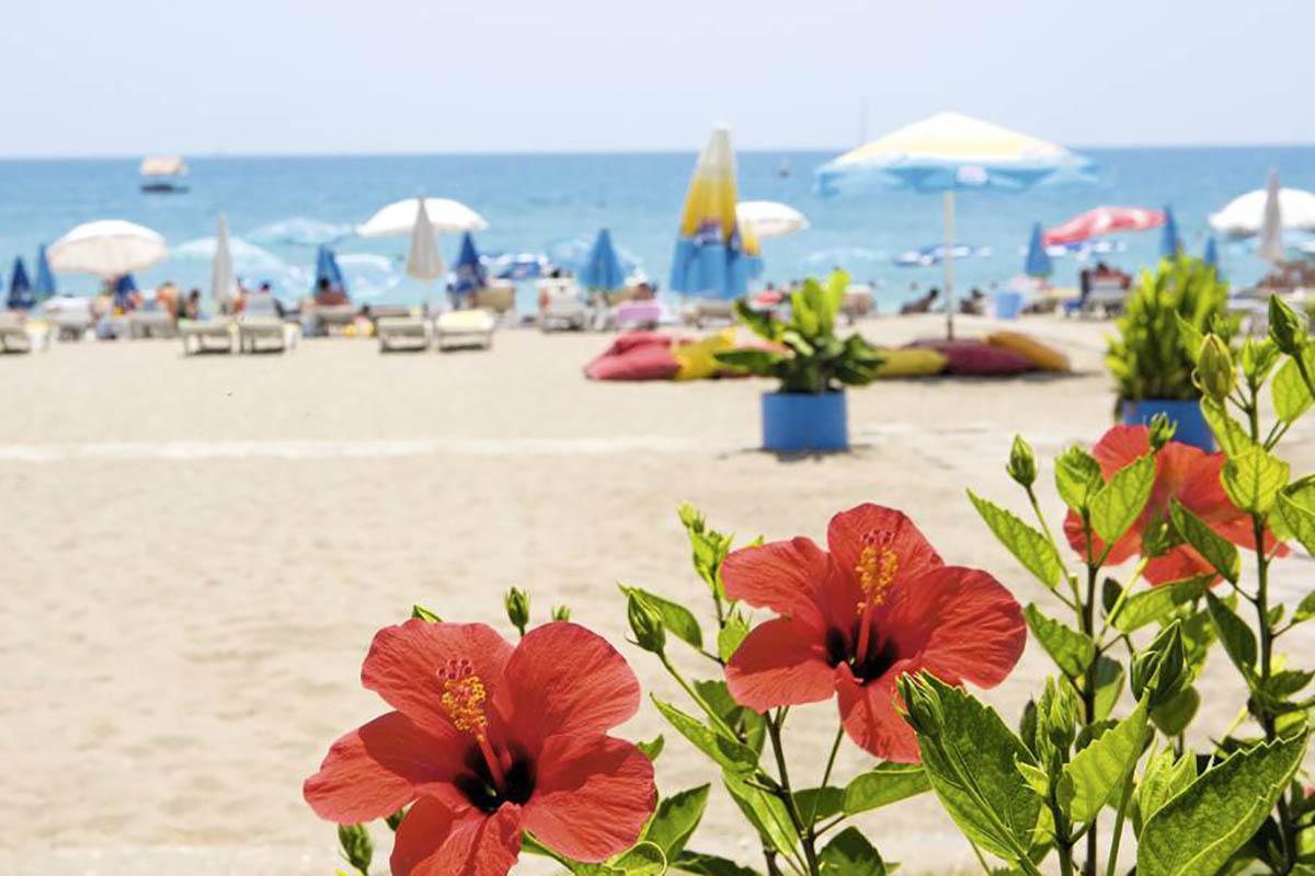 Море в Турции в мае – где тепло и можно купаться?