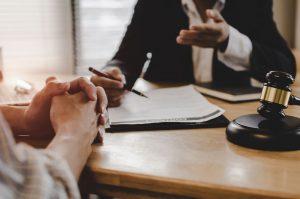 На что обратить внимание при выборе адвоката в области наследственных дел?