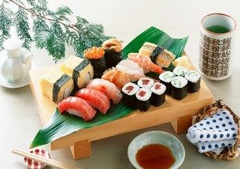 Почему в России так любят суши и роллы?