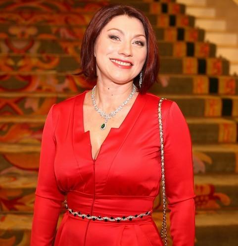 Без пластики и с красными волосами: архивное фото Розы Сябитовой