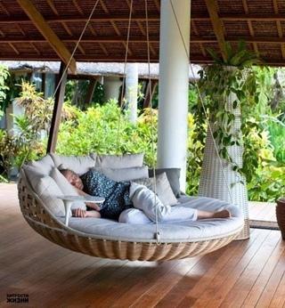 Топчаны: удобные сооружения, повышающие степень комфорта в частных дворах