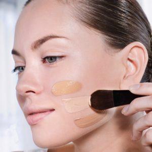 Как правильно наносить базу под макияж?