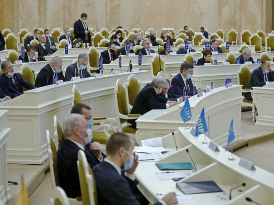 Стал известен размер зарплат российских депутатов